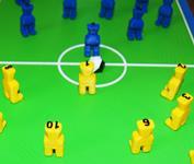 Fussballteam und Fußballfeld gedruckt